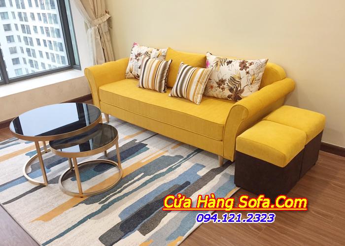 MẫuPhòng khách chung cư trở lên ấm cúng, nổi bật hơn với mẫu ghế sofa văng nỉ màu vàng sang trọng ghế sofa văng nỉ nhỏ phòng khách. Với gam màu vàng kết hợp gối hoa trang trí rất bắt mắt